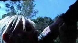 Horse porn безрассудная белянка сосет мерину на полянке порнозоо оральное фильм